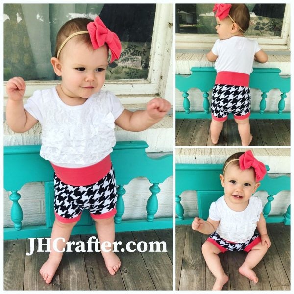 Houndstooth Black and White Baby Bummies